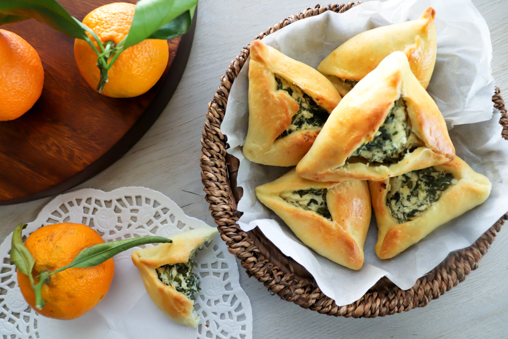 Spinach Cheese Fatayer - Aromatic Dishes